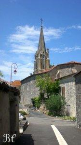 Eglise vue de la rue basse